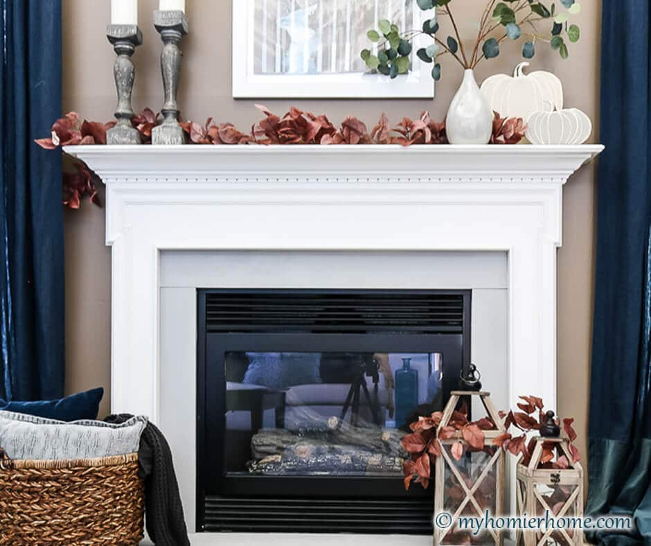 Looking to style your fireplace for fall this year? Find my favorite decor way to make the seasonal change for your fireplace.