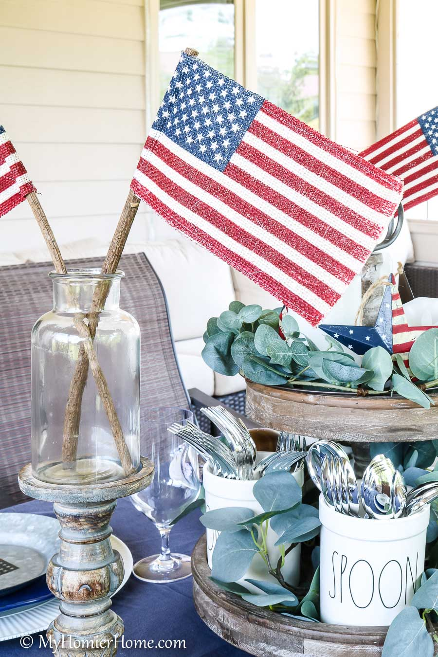 We love celebrating America, so if you are hosting a party or want some red, white, and blue vibes, check out my patriotic outdoor table decor!