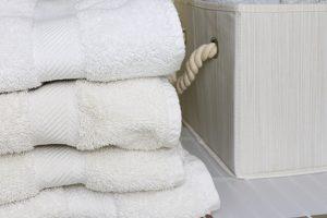 9 Tips for Linen Closet Organization & Decluttering | Quick Wins Series